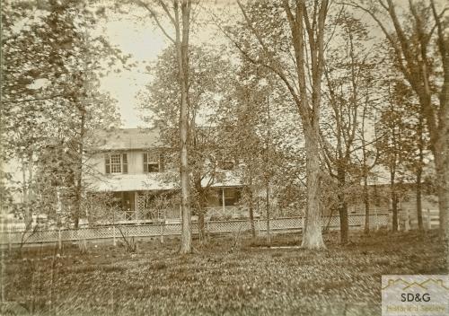 94-10.31_Daily Coll_22 C.J. Mattice Residence_web
