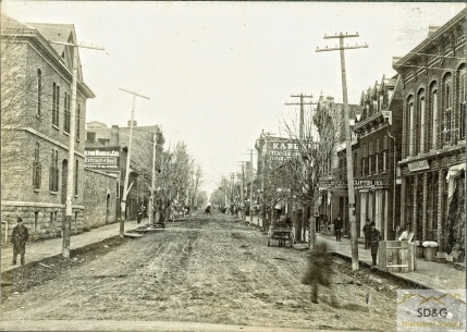 94-10.33_Daily Coll_24 Pitt Street from Canal_web