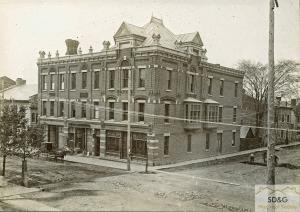 Colquhoun Block - S.W. corner Pitt St at 2nd St W