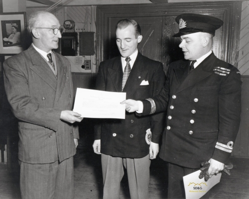 1953-04-14_WarrantPresented_Cr_WM