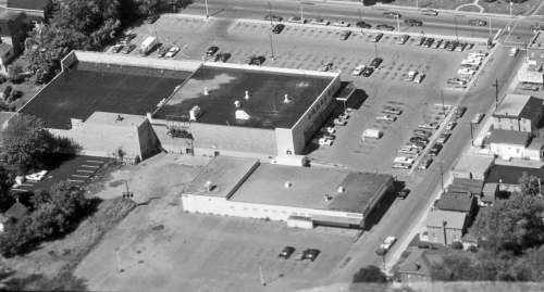 aerial_1970-09_Loblaws