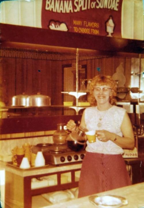 1509 Pitt_Alice's Restaurant_Crystal Lynn Brownlee